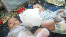 İkizlerin Poşetle İmtahanı