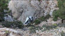 Kayıp Şahıs Sarp Kayalıklarda Ölü Bulundu