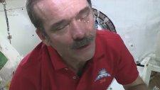 Uzayda Ağlamak