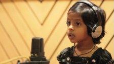 En Minik, Hint Şarkıcı!