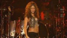 Shakira - La Tortura Live
