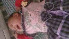 Gülme Krizine Giren Bebek