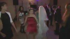 Düğünde Kayışları Koparan Hanım Abla !