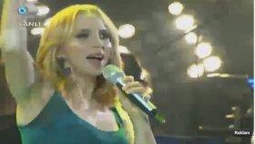 Sertab Erener - Öylede Güzel - Beyaz Show