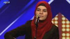 Hollanda'yı Sallayan Türbanlı Türk Yarışmacı