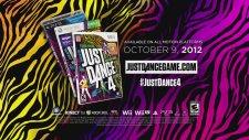 Justin Bieber Surprises Lucky Fans - Just Dance 4