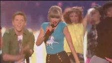 Taylor Swift - 22 Billboard Music Awards