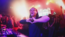 Skrillex - Rock N Roll - Will Take You To The Mountain