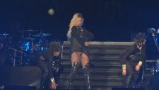 Rihanna - Pour It Up (İstanbul Konser Diamonds Tour Istanbul)