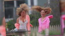Kate Upton'dan rüzgar frikiği!