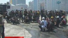 Gezi Parkı girişinde eylemcilere müdahale