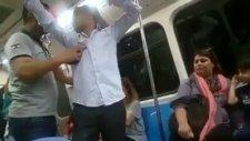 Metroda Dayak Yiyen Eylemci - Sahtekar Başbakan