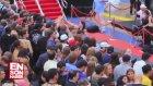 Times Meydanı'nda Brad Pitt İzdihamı