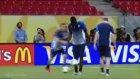 Ronaldinho'ya Özenen Balotelli