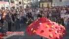 Taksim'de ilgi çeken gösteri