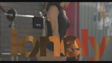 Inna - J'adore (Lyrics Video)