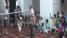 Camide badminton eğitimi