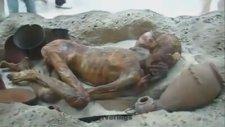 Firavun'un 3.000 Yıllık Secde Eden Cesedi