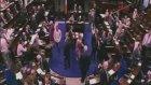 Meclis'te Kucak Skandalı!