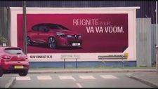 Renault'un Çıplak Reklamı Yasaklandı!