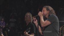 Roger Waters - Comfortably Numb (Live Ft. Eddie Vedder)