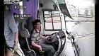 Çin'de İnanılmaz Otobüs Kazası
