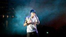 Eminem - Survival (Feat  Liz Rodrigues)