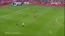 Premier Lig'de sezonun ilk golü görülmeye değerdi.