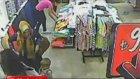 Hırsız bebek arabasındaki cep telefonunu böyle çaldı