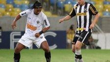 Ronaldinho'dan müthiş asistler