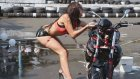 Motosiklet Yıkayan Seksi Kızın İş Kazası