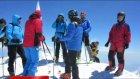 Avusturyalı pilotlar Ağrı Dağı'nın zirvesinde mızıka çaldı