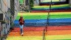 Türkiye Beyoğlu'ndaki Merdiven Rengini Konuşuyor!
