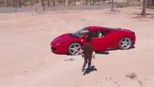 Ferrari İle Drift Yapan Çocuk