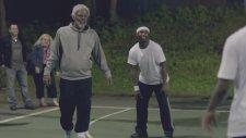 Basketbolcu Yaşlı Adam Kılığına Girerse