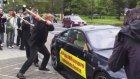 BMW'ye kızan M6 sahibi otomobilini böyle parçaladı!