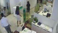 Adana'da film gibi banka soygunu saniye saniye görüntülendi