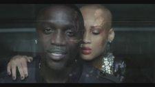 Akon Feat. Yo Gotti - We On