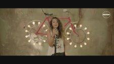 Antonia - Hurricane Feat. Puya