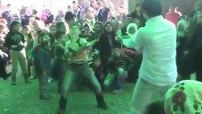 Düğünde Çilli Bom Dansı (Yeni İnternet Fenomeni)