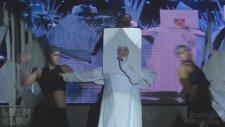 Lady Gaga & Alexia Twister - Applause (Canlı Performans)