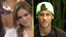 Sevgilisine Canlı Yayında Romantik Sözler Söyleyen Neymar