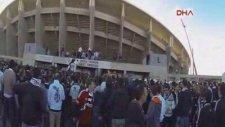 Olimpiyat Stadı'na kaçak girişler kamerada