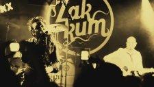 Zakkum - Üç Elma (Canlı Performans)