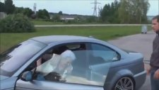 Büyükanne BMW M3 İle İnanılmaz Drift Yapıyor!