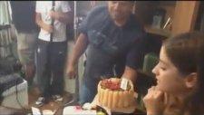 A.ş.k Ekibinden Hazal Kaya'ya Doğum Günü Sürprizi