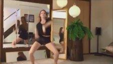 Güzel Kızdan Güzel Dans