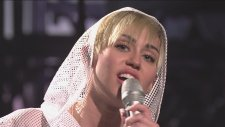 Miley Cyrus - We Can't Stop (Canlı Performans)