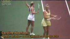 Caroline Wozniacki Kortta Kendinden Geçti