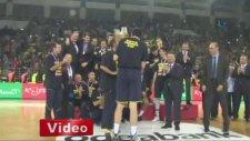 Erkekler Cumhurbaşkanlığı kupasının sahibi Fenerbahçe Ülker